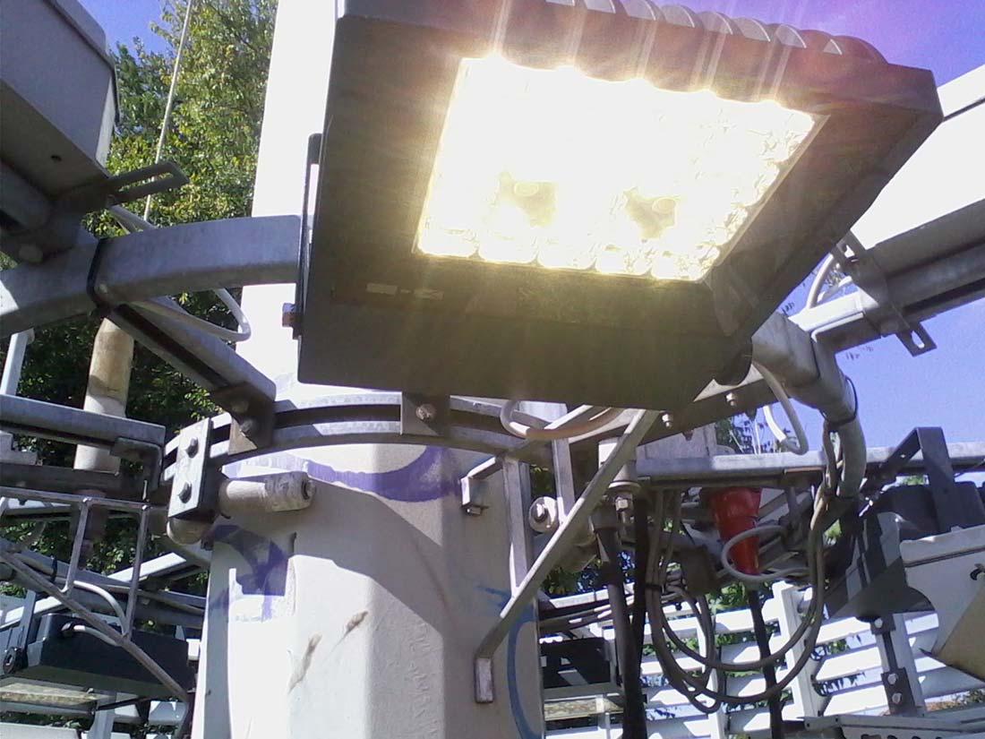 Illuminazione di torri faro proiettori led e calcoli illuminotecnici